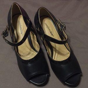 Comfort view black size 8.5 W heels